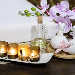 Tajski masaz stemplami ziolowymi
