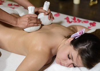Yaowares - masaż gorącymi stemplami ziołowymi 90 minut