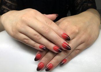 Eva Cosmetics & Lashes - manicure hybrydowy ze zdobieniem