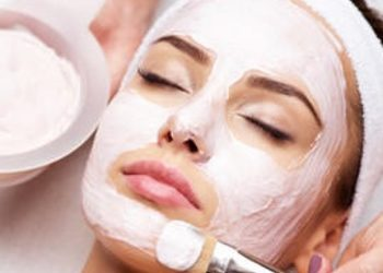 You And Beauty Salon Urody - mikrodermabrazja (twarz, szyja, dekolt) z peelingiem kawitacyjnym  i maską