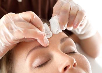 Salony fryzjerskie MICHAŁ MROSZCZAK Beauty&SPA - manualne oczyszczanie twarzy