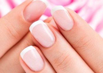 Forever Beauty Instytut Kosmetologii Gliwice - paznokcie żelowe dłonie - założenie