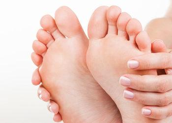 JJ Salon Szpitalna 3 - masaż stóp po pedicure