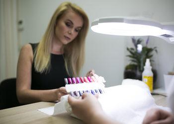 CLINIQMED - manicure hybrydowy ze sciagnieciem