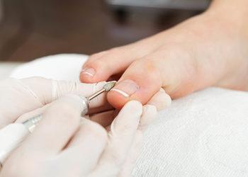 Salon Urody i Modelowania Sylwetki Babski Looksus  - malowanie paznokci - stopy (lakier zwykły)