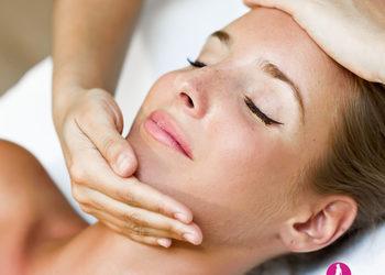 Salon Urody i Modelowania Sylwetki Babski Looksus  - masaż relaksujący twarzy, szyi i dekoltu