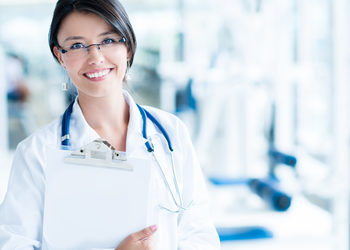 "Instytut stomatologii i dermatologii ,,Ruczaj Clinic"" - chirurgia stomatologiczna"