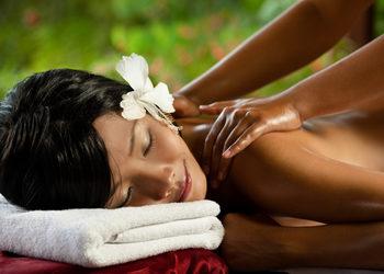 YASUMI MEDESTETIC, INSTYTUT ZDROWIA I URODY – WARSZAWA POWIŚLE  - masaż balijski aromatycznymi olejkami - balinese aroma oil massage