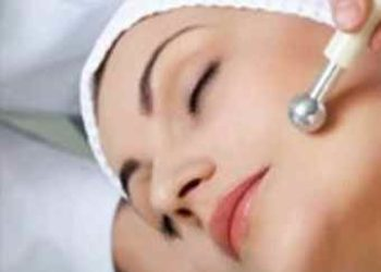 Instytut Kosmetologii Maeve -  oczyszczanie skóry na twarzy z jonoforezą