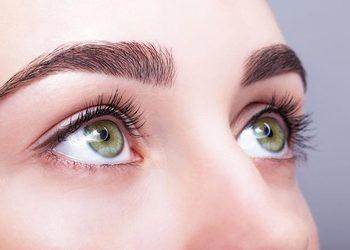 Instytut Kosmetologii Maeve - stylizacja brwi lycon wax