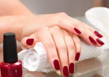Manicure versum