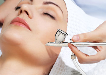 Twój Kosmetolog Aleksandra Wawro -Stalowe Magnolie Beauty Clinic Wawro&Chudzik - oksybrazja + infuzja tlenowa- twarz, szyja, dekolt