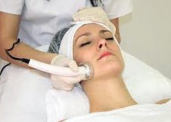 Twój Kosmetolog Aleksandra Wawro -Stalowe Magnolie Beauty Clinic Wawro&Chudzik - sonoforeza twarz, szyja, dekolt- peeling, ampułka, maska