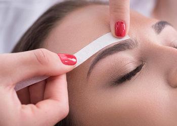 Royal's Hair & Body - regulacja brwi woskiem (bez henny)