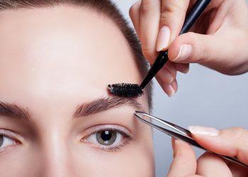 PMU & Kosmetyka estetyczna - Małgorzata Żukowska  - depilacja brwi woskiem + regulacja