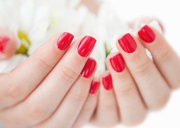Salon Piękności Miu Miu Marta Biernat - manicure klasyczny z malowaniem