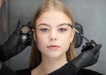 EyeBrow & Lash Bar CH Ster - eyebrow shape