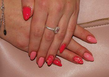 """Salon Kosmetyczny """"EVITA"""" - uzupełnianie paznokci żelowych"""