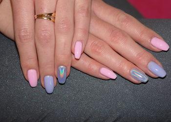 """Salon Kosmetyczny """"EVITA"""" - przedłużanie paznokci żelem na szablonie lub tipsy"""