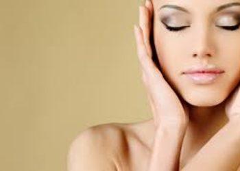Salon La Femme - oczyszczanie manualne + mikrodermabrazja diamentowa lub peeling kawitacyjny
