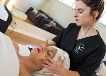 YASUMI SPA - liftingujący aromatyczny masaż twarzy