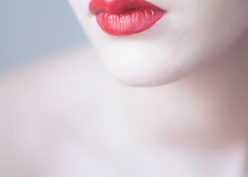 Salon Kosmetyczny Madame Katrina Clinica Estetica - karbosyterapia - szyja - dekolt