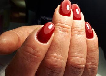 Salon Piękna ManiKini - manicure hybrydowy na czystej płytce, jeden kolor