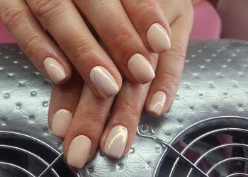 Institute Essence - stylizacja paznokci żele na naturalnej płytce