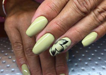 Institute Essence - stylizacja paznokci zdobienia