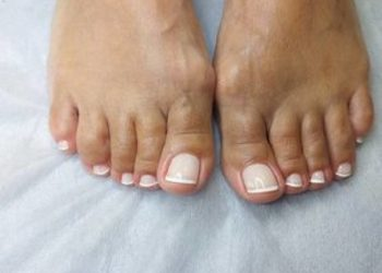 Institute Essence - stylizacja paznokci pedicure hybryda