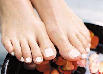 Institute Essence - stylizacja paznokci zdjęcie hybryd stopy