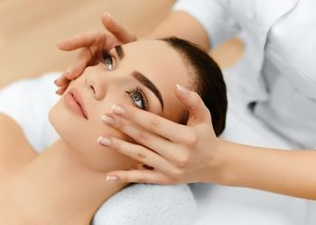 Glamour Instytut Urody - recontouring treatment dr babor