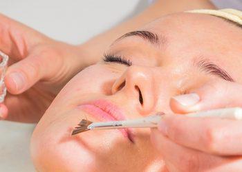 """Salon Kosmetyczny """"Bella"""" - oczyszczanie twarzy"""