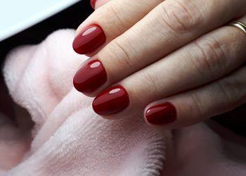 Hybrydowa od Nowa - manicure hybrydowy kolor
