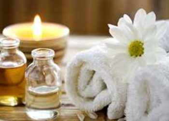 Yasumi Wilanow - masaż aromaterapeutyczny