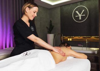 Yasumi Wilanow - masaż świecą
