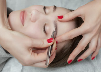 Centrum Kosmetologii Kirey - regulacja brwi