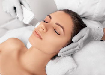 Centrum Kosmetologii Kirey - peeling kawitacyjny plus pielęgnacja podstawowa klapp