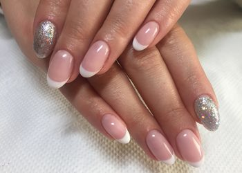Happy & Beauty - manicure hybrydowy french