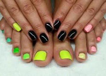 Salony fryzjerskie O'la - akryl french lub kolorowy