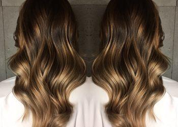 R. SMARZ Professional Hair - koloryzacja z refleksem, tonowaniem wykończona strzyżeniem i falami