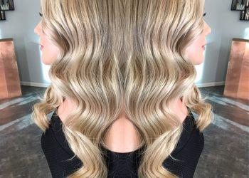 R. SMARZ Professional Hair - koloryzacja z refleksem, tonowaniem wykończona falami