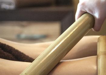 Fabryka Relaxu - masaż bambusami tył ciała