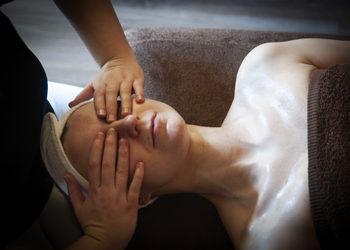 Fabryka Relaxu - japoński lifting twarzy - masaż zamiast botoxu dodatkowy masaż oczu