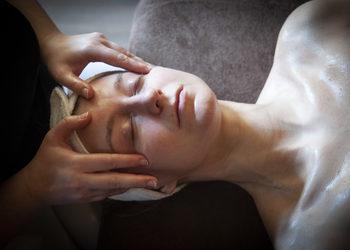 Fabryka Relaxu - japoński wygładzająco- liftingujący masaż okolic oczy