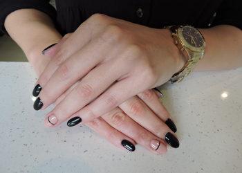 Estetic Day Spa - manicure