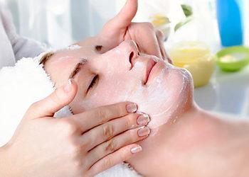 SALON URODY LA PERLA - zabieg oczyszczający skórę