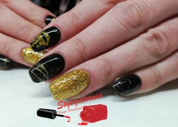 Stylizatornia - przedłużenie paznokci akrylo-żelem