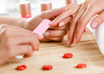Salon Versum - manicure klasyczny