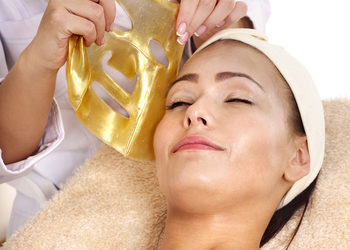 Body & Mind massage by HANKA KRASZCZYŃSKA -  złoty peeling, złota maska i masaż twarzy / gold peeling, mask & massage facial treatment